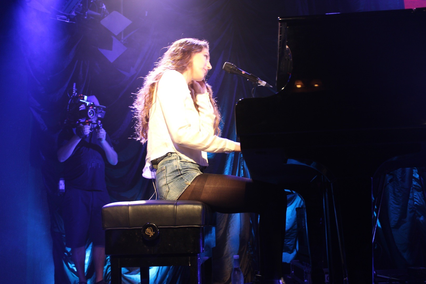 Birdy, birdy live in nz, zm radio, iHeartRadio, Warner Music NZ, Music, Music gigs, events, Rachel Hunter, beauty blog nz, fashion blog nz, style blog nz, beauty media nz, fashion media nz, angie fredatovich, gurlinterrupted, fashion, beauty